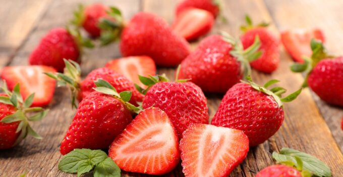 Strawberries, properties, and nutritional benefits, Genmedicare